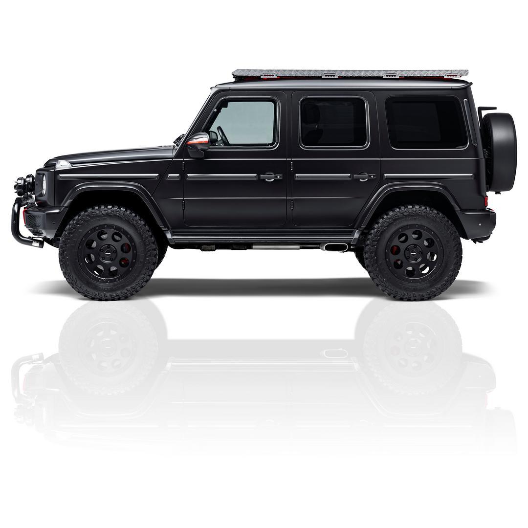 Black G-Wagon side view