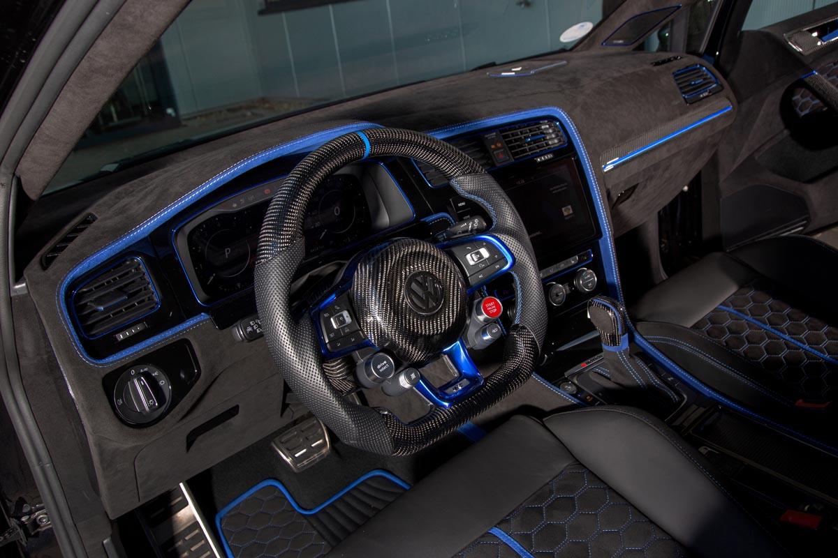 VW Golf 7 R Variant interior